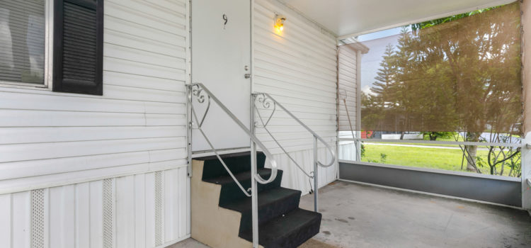 Large screened porch, perfect for entertaining